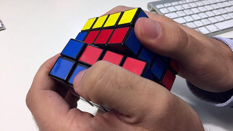 La afición al cubo de Rubik se mantiene intacta con el paso del tiempo. Foto: L. F. R.