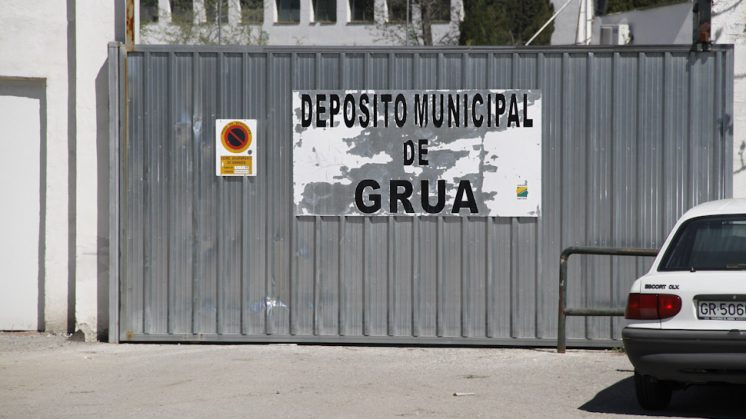 El servicio municipal de grúa ha retirado más de 7.000 vehículos hasta octubre. Foto: Álex Cámara