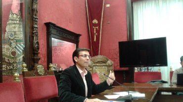 """Cuenca pide al alcalde """"sensatez"""" en el transporte público y propone una línea 1"""