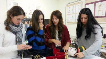 La Escuela de Arte de Granada participa en la producción del ballet 'El Cascanueces'