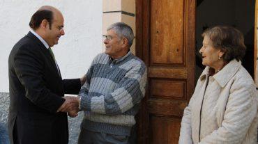 El presidente de la Diputación conoce en Albuñuelas sus principales proyectos