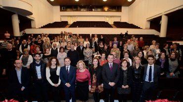 Un homenaje a 226 profesionales sanitarios jubilados este año