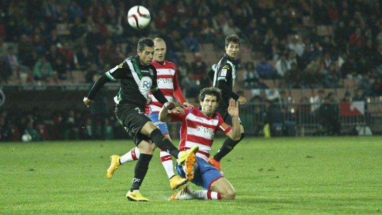 Diego Mainz, durante el partido frente al Córdoba en Copa del Rey. Foto: Álex Cámara