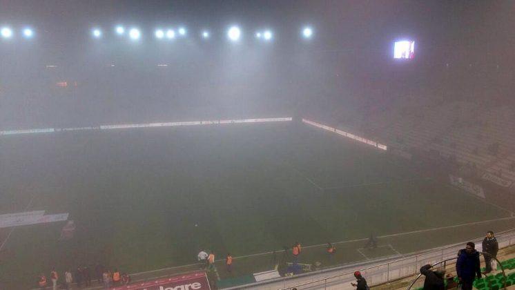 Situación del estadio en torno a las 21.30 horas. Foto: José Ángel Martos