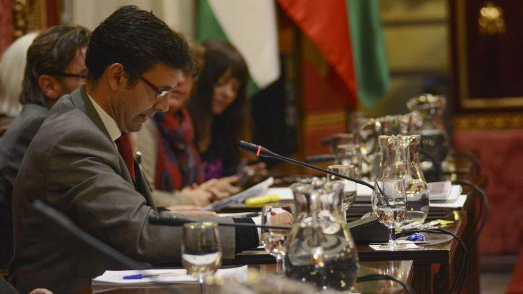 Cuenca, durante el debate de los presupuestos municipales. Foto: Alberto Franco