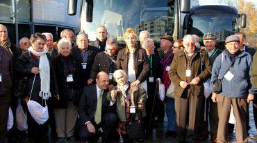 Un centenar de mayores de la provincia disfrutan en Almuñécar de unas fiestas en compañía