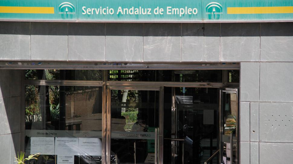Ahora granada denuncian que las oficinas de empleo de for Oficinas granada