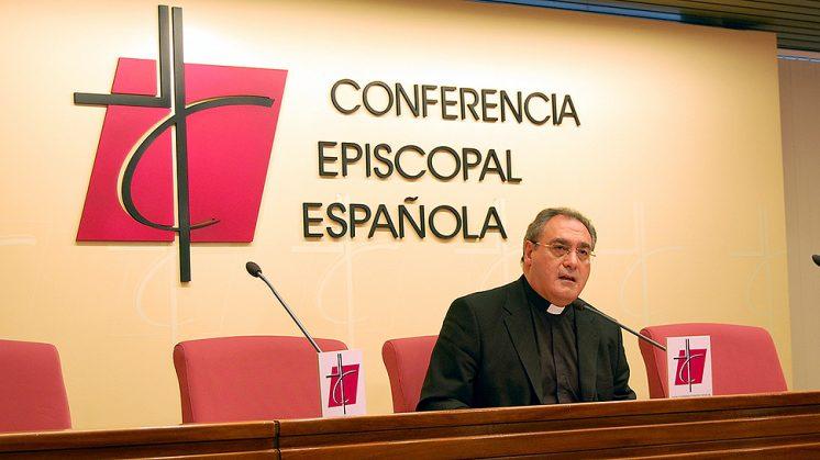 Gil Tamayo durante una rueda de prensa. Foto: Conferencia Episcopal