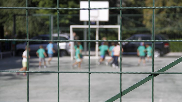 El proceso de construcción del colegio sigue bloqueado administrativamente. Foto: Álex Cámara
