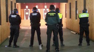 La Policía Local de Santa Fe se forma en el uso y manipulación de armas de fuego