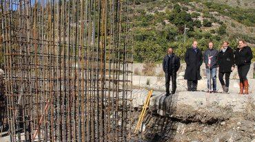 Un puente facilitará a los agricultores deOtívar la recolección de subtropicales