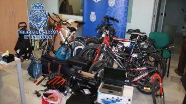 Detenidos dos miembros de un grupoespecializado en asaltar trasteros parasustraer bicicletas