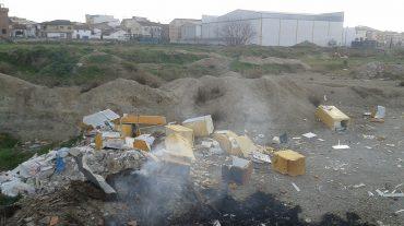 Denuncian la contaminación del medio ambiente en Churriana de la Vega