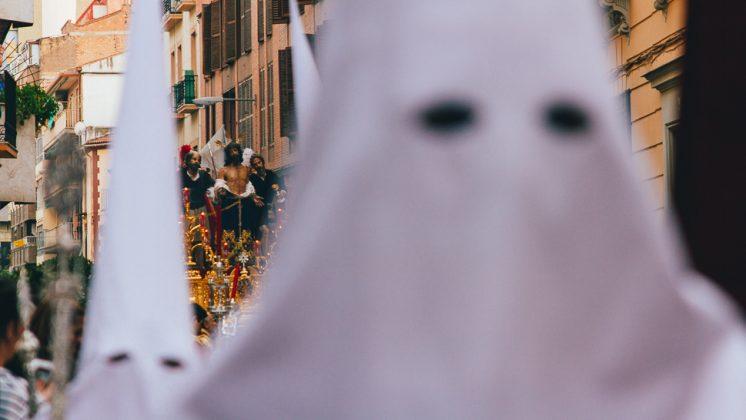 El 'silencio blanco' se hizo palpable en el barrio Fígares de Granada. Foto: Antonio Ropero