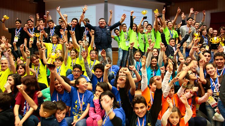 Alumnos participantes en la FLL. Foto: aG