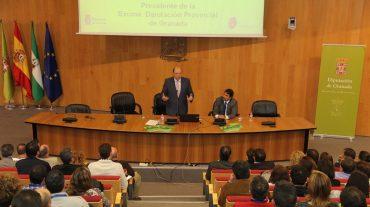 El presidente de la Diputación, Sebastián Pérez, reseña que el auge del turismo rural haconllevado, entre otros factores, que se haya quintuplicado el número de personas que circulanen bicicleta