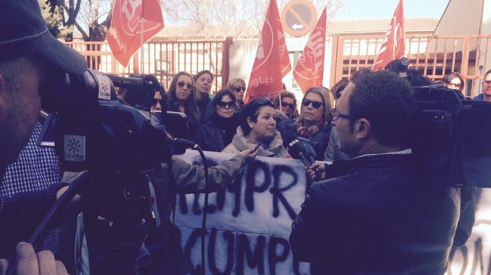 Ahora granada trabajadores de comedores y aulas matinales de 26 colegios protestan por impagos - Menu comedores ugr ...