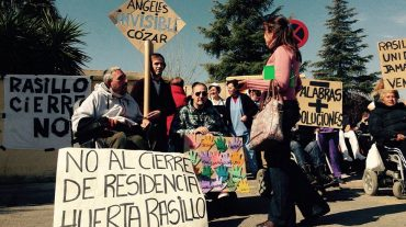 Residentes y trabajadores de La Huerta de El Rasillo exigen seguir en su casa