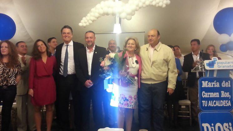 El presidente del PP, Sebastián Pérez, junto a la candidata popular a la Alcaldía de Vegas del Genil, María del Carmen Ros. Foto: aG