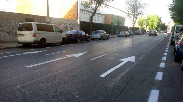 El tramo paralelo a la antigua Estación de Autobuses cuenta con dos filas de aparcamientos. Foto: aG.