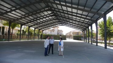 El programa de mejoras energéticas que culminará el 15 de junio,convertirá en pabellón la cubierta deportiva de Las Mimbres