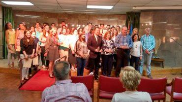 Cerca de 80 personas reciben un diploma por la labor de voluntariado que realizan en la residencia de mayores de Armilla