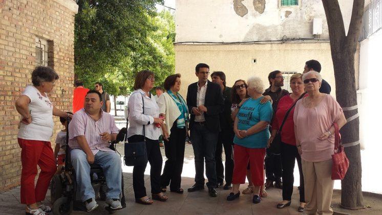 El alcaldable socialista, Francisco Cuenca ha presentado su programa de vivienda y ha señalado que ningún bombero o policía local participará en desahucios. Foto: aG