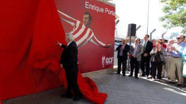 La puerta cero del Nuevo Los Cármenes, dedicada a Enrique Porta