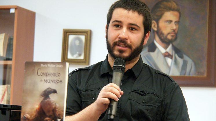 David Melián, durante una conferencia sobre su publicación. Foto: aG