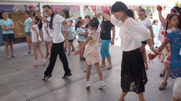 La Escuela de Verano 'Músicas y Danzas del Mundo' ofrece billetes de ida y vuelta para recorrer el planeta