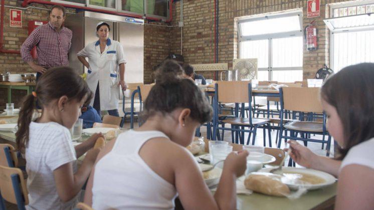 El comedor está situado en el colegio San Miguel. Foto: aG.