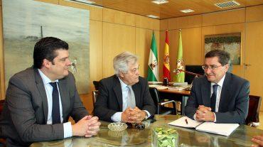 Diputación propone a CajaGranada una actuación coordinada para prevenir desahucios