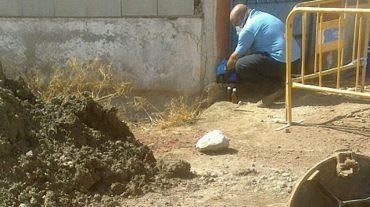 Atarfe pedirá que se investigue la causa de la emanación de agua ácida en la red de abastecimiento del Polígono de los Álamos
