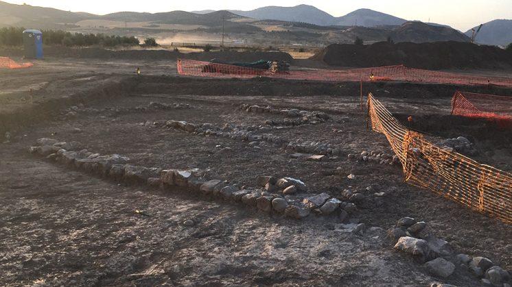 La zona ha sido acotada para mejor trabajo de los arqueólogos de Cultura. Foto: Luis F. Ruiz