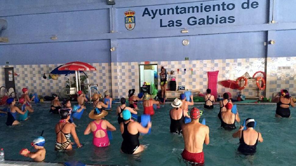 Ahora granada la piscina cubierta y el gimnasio de las for Gimnasio y piscina