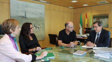 Entrena explica a Facua la propuesta de nueva ordenanza sobre el tratamiento de residuos sólidos urbanos