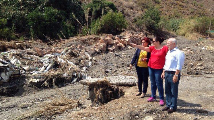 Los diputados socialistas Elvira Ramón y Manuel Pezzi han visitado Albuñol y Castell de Ferro. Foto: aG