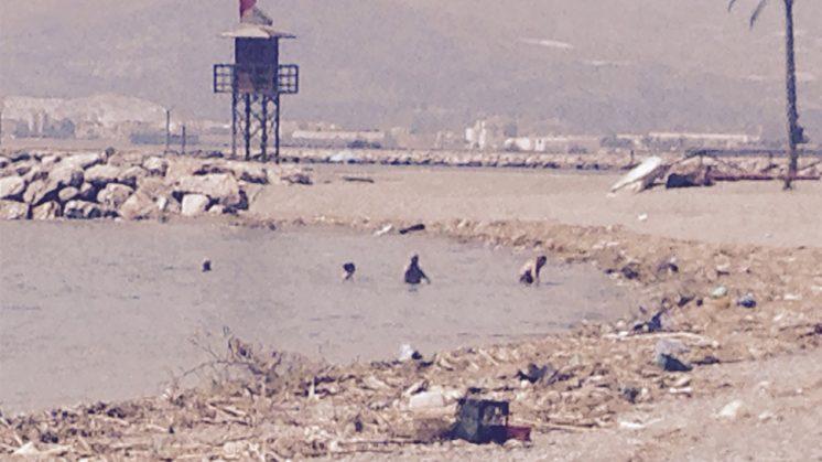 Estado en el que han quedado algunas playas granadinas tras las tormentas. Foto: aG