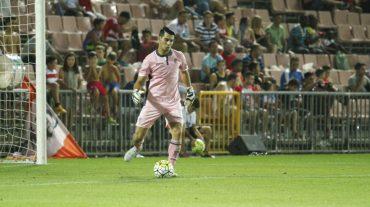 Andrés Fernández aboga por aprender de los errores y centrarse para conseguir victorias