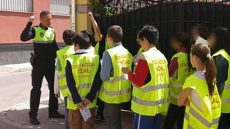 Los agentes participan de forma activa en la campaña. Foto: Ayuntamiento de Las Gabias
