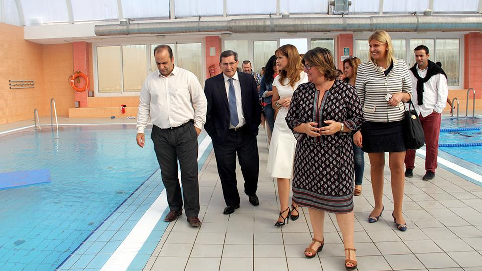 Ahora granada la zubia cuenta de nuevo con piscina for Piscina municipal de granada