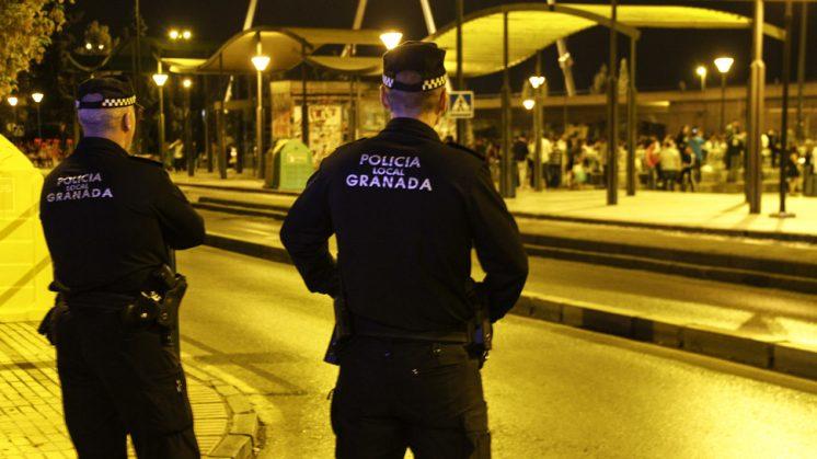 La Policía Local ha incrementado su vigilancia tanto dentro como fuera del recinto. Foto: Álex Cámara