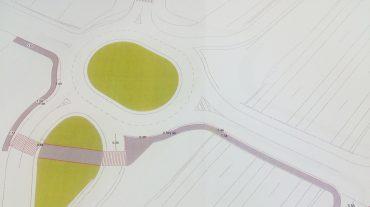 Alhendín remitirá a Fomento una propuesta para facilitar el tránsito de peatones por la rotonda de acceso a la autovía