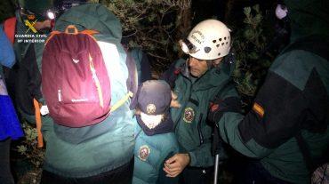 Rescatados cuatro niños y seis adultos que se quedaron enriscados en Sierra Nevada