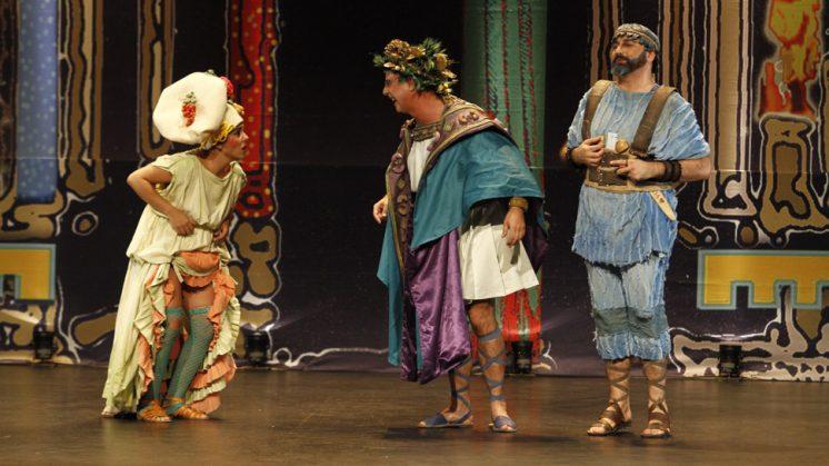 Verbo Producciones fueron los encargados de poner en escena la última obra en Santa Fe. Foto: Álex Cámara