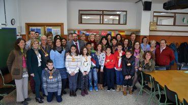 El colegio público Santa Juliana acoge a docentes europeos para impulsar la investigación medioambiental en las bibliotecas