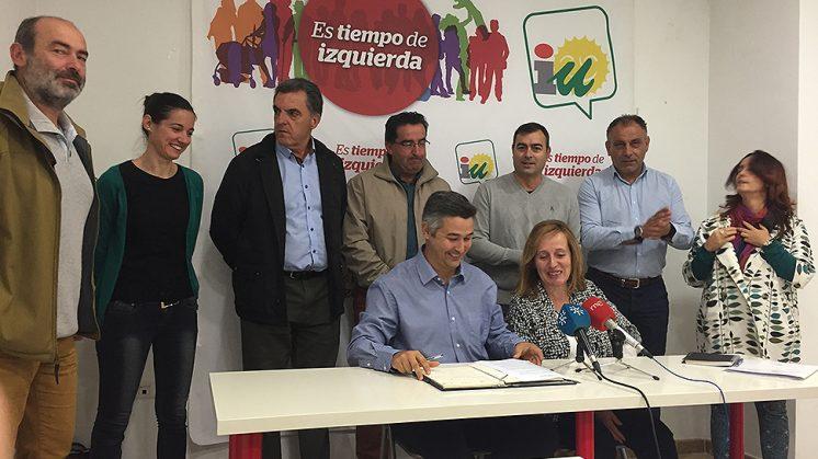 Concejales y alcaldes han comparecido para explicar las medidas de protesta. Foto: Luis F. Ruiz