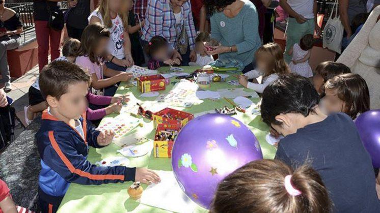 Los organizadores han animado a padres y madres a acudir junto a los pequeños. Foto: aG.