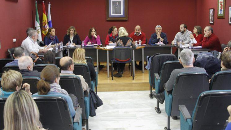 El pleno ordinario se ha celebrado en la mañana de este viernes en el municipio. Foto: Álex Cámara