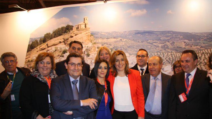 La presidenta de Andalucía, Susana Díaz, ha visitado este miércoles el stand de Granada. Foto: Dipgra | aG